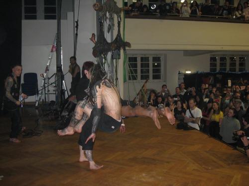 rgb2008_057